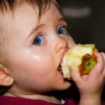 O que fazer para os filhos se alimentarem bem na infância