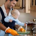 Pais que lavam a louça criam filhas mais bem sucedidas